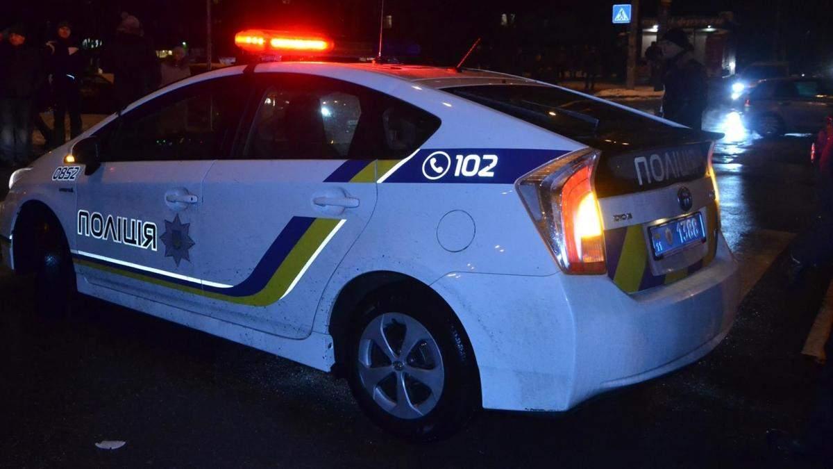 У поліції Києва повідомили, що невідомі блокували їхній офіс