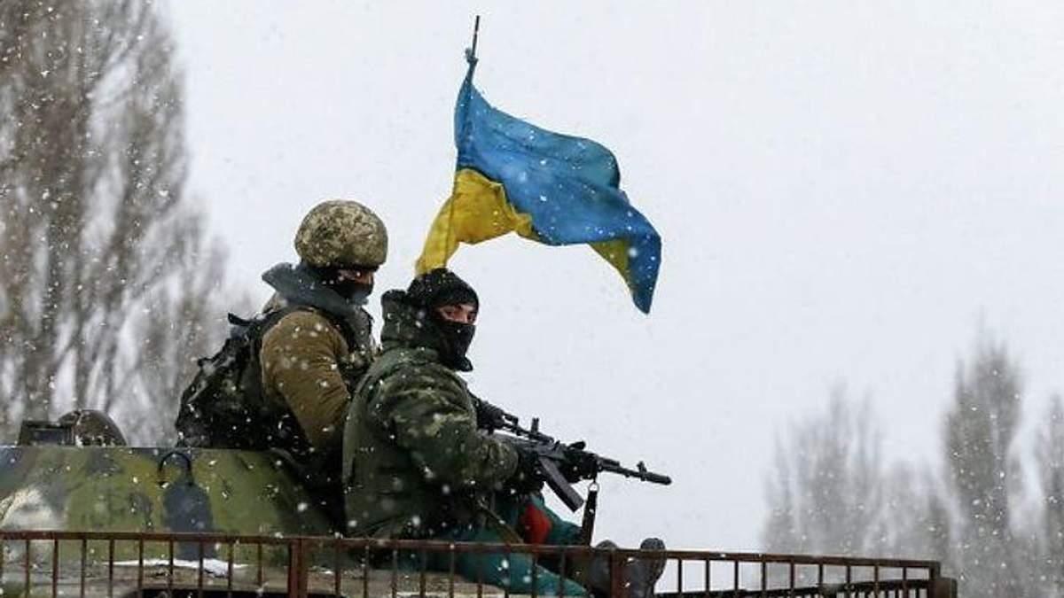 Гаряча доба на Донбасі: є поранені серед українських бійців та жертви серед окупантів