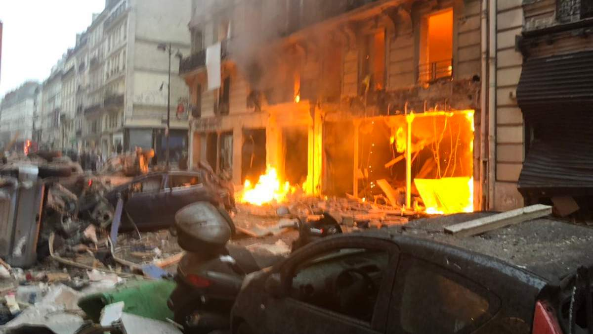 Внаслідок вибуху у Парижі постраждали 20 людей