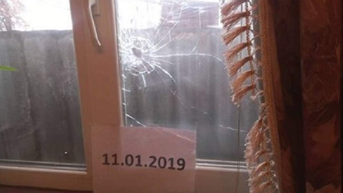 На Донбассе боевики обстреляли жилой дом