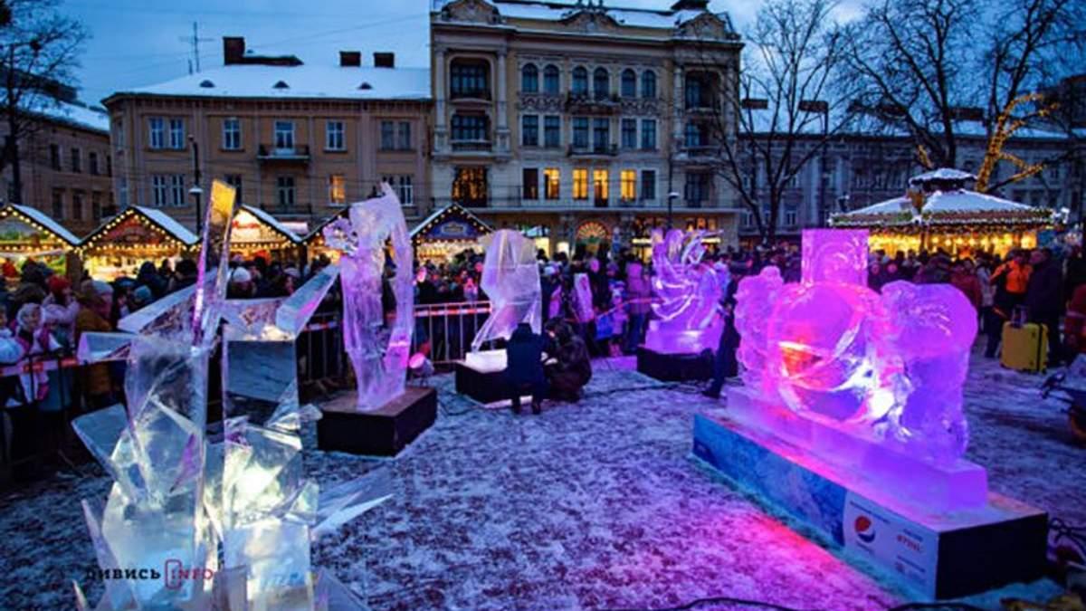 На конкурсе ледяных скульптур во Львове определили победителей: потрясающие фото и видео