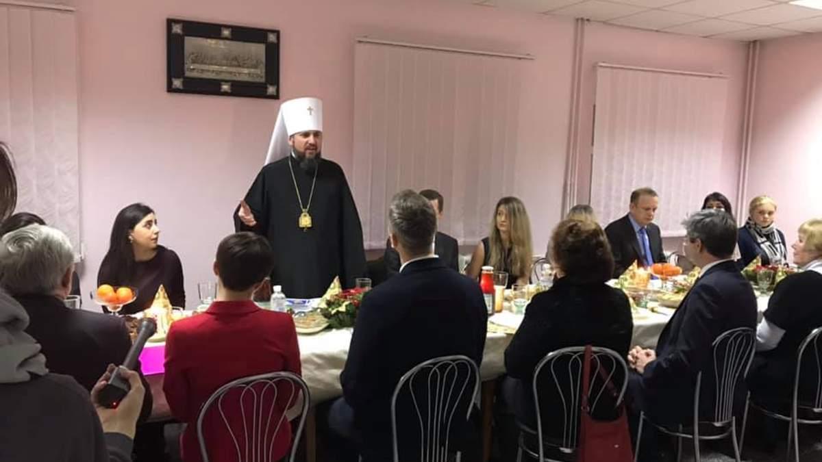 Глава ПЦУ провел встречу с семьями политзаключенных
