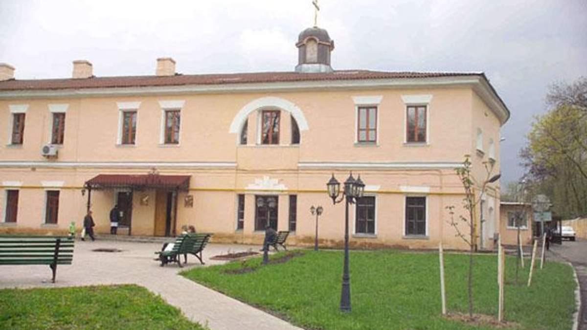 В Киеве храм при главном военном госпитале перешел в ПЦУ
