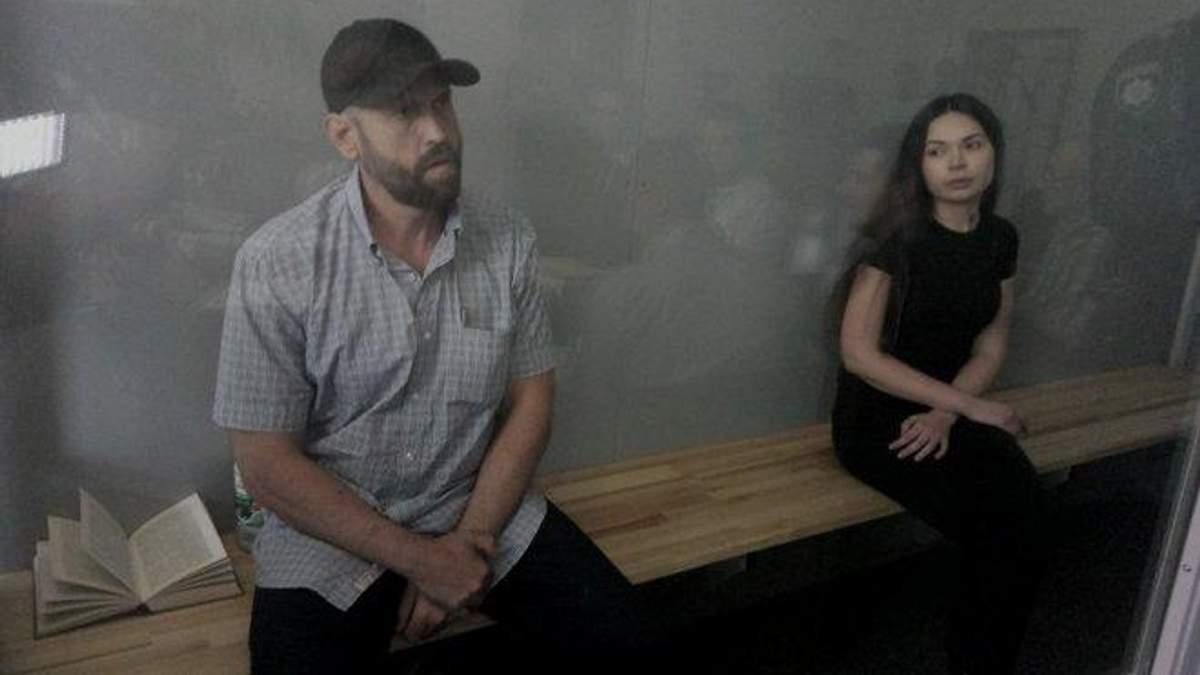 Дронов і Зайцева під час засідання суду
