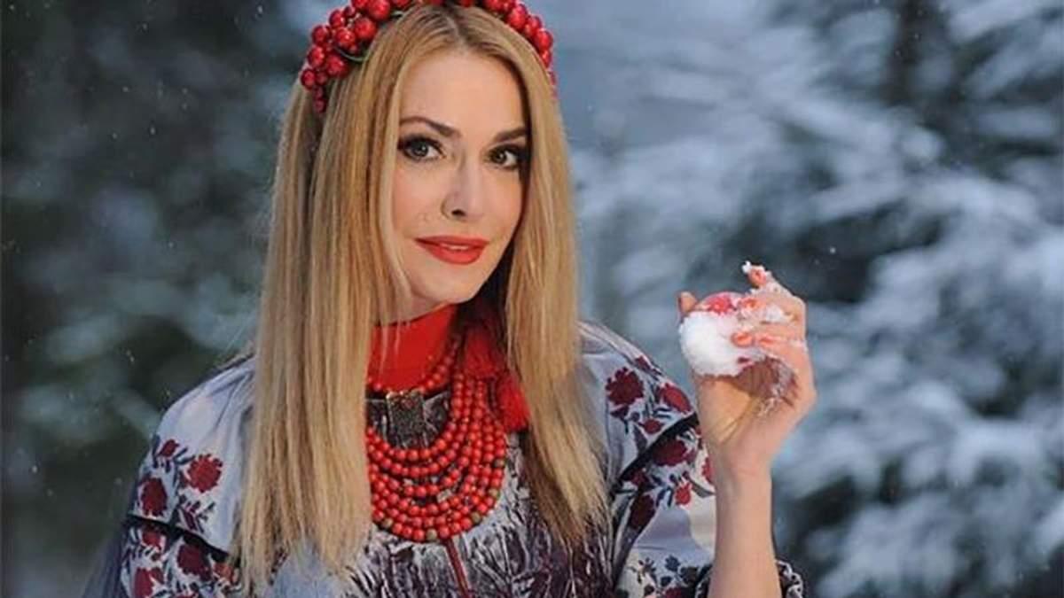 Ольга Сумская и другие звезды поздравили украинцев с Крещением