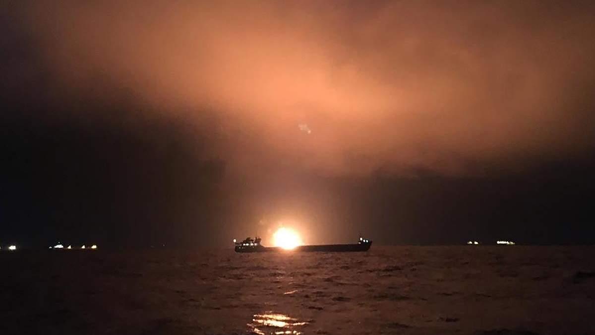 Спасатели заявляют, что нет шансов найти живых моряков из горящих судов у Керченского пролива