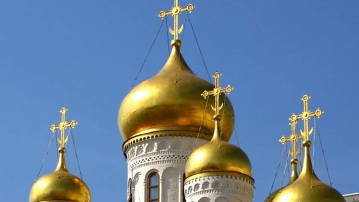 Сколько приходов имеет Московский патриархат в Украине