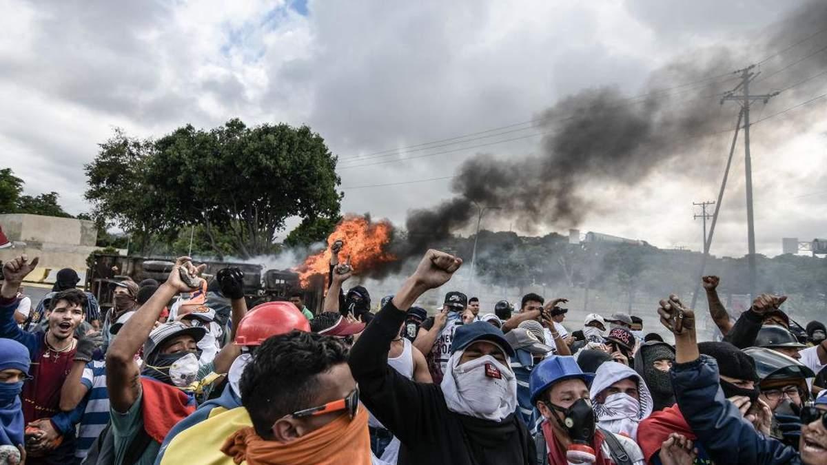 Майдан в Венесуэле: яркие параллели между Мадуро и Януковичем