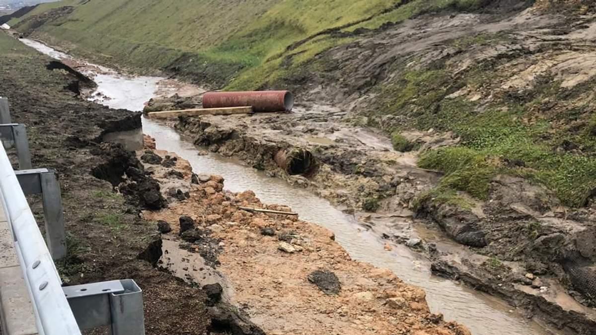 Сповзання ґрунту на підходах до Кримського мосту