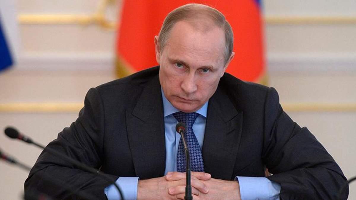 """Путін готовий """"захищати"""" вірян в Україні від """"проекту, який не має стосунку до віри"""""""