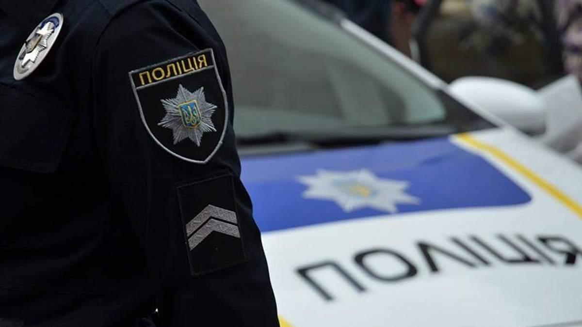 У Києві шахраї одягнули форму поліцейських та викрали двох дівчат, – ЗМІ