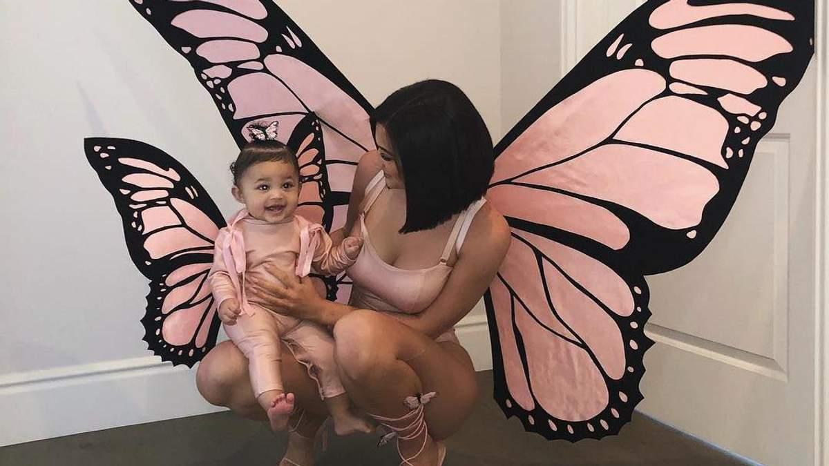Кайлі Дженнер з донькою Стормі