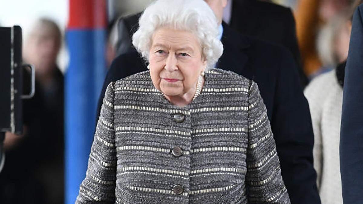Королева Елизавета II на станции King's Lynn в графстве Норфолк