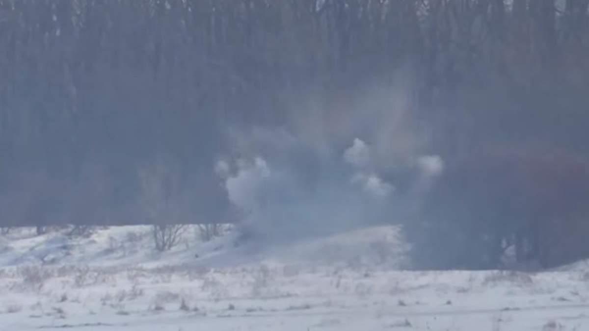 Бійці ЗСУ знищили вогневу точку окупантів на Донбасі: яскраве відео