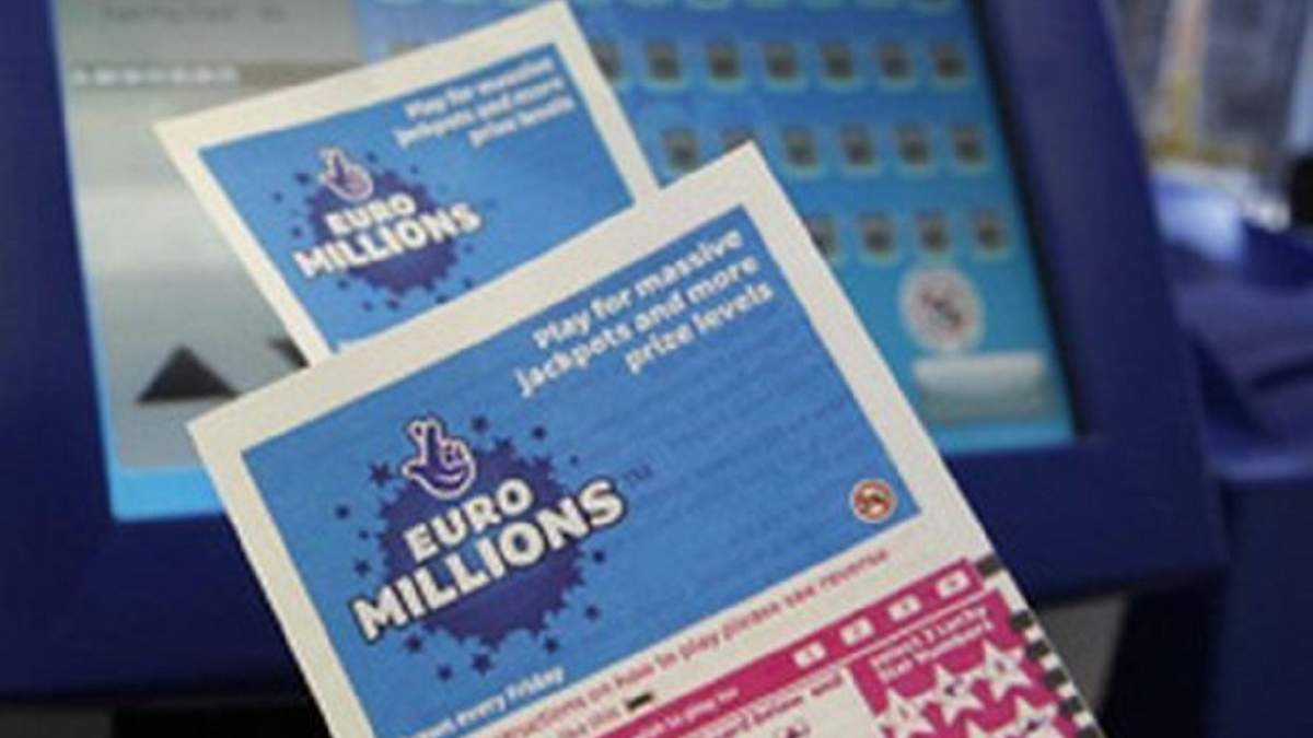 """Українці можуть виграти € 176 млн в супер-тиражі """"Євромільйони"""" або $ 488 млн в лотереї США"""
