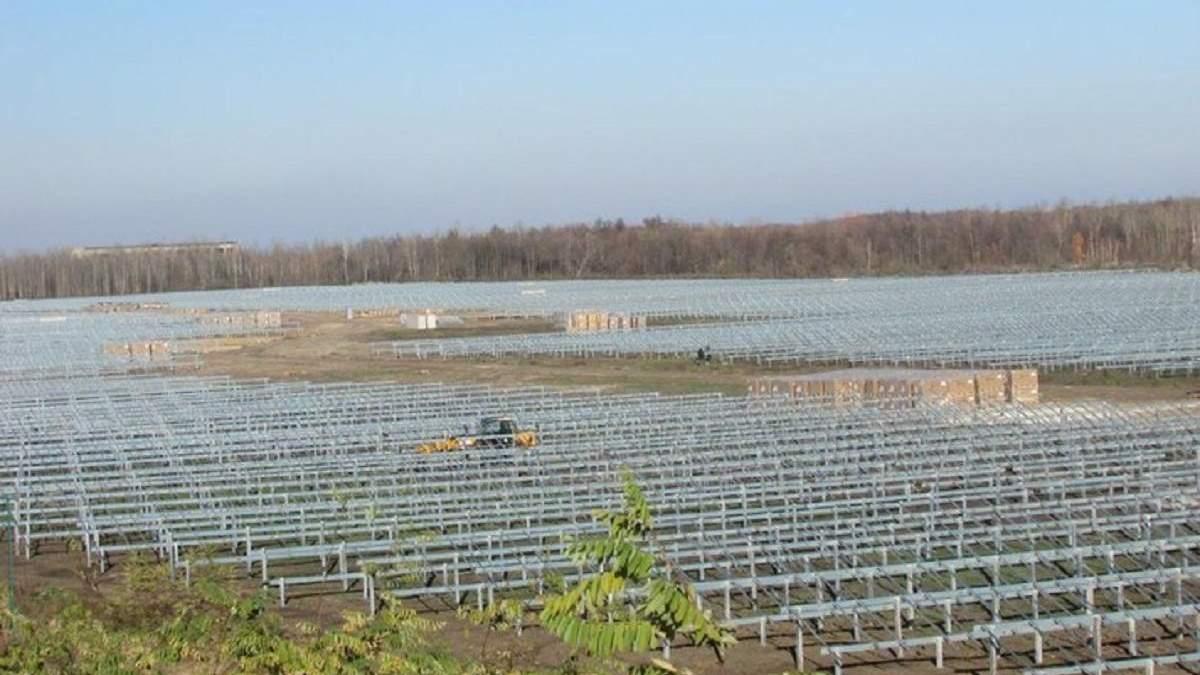 Турецька компанія почала будувати сонячну електростанцію на Хмельниччині