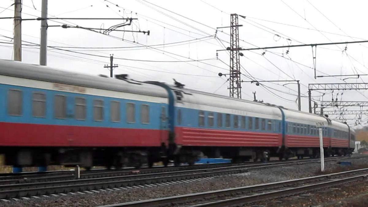 Коли поїде перший поїзд незаконним Керченським мостом: в анексованому Криму анонсували дату