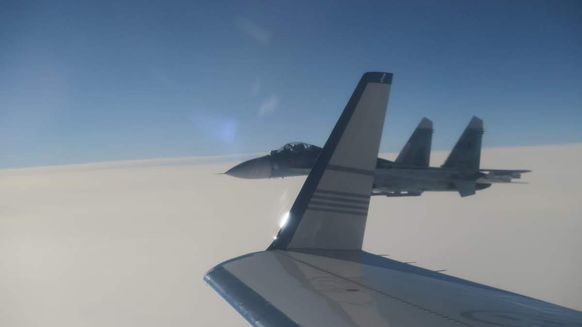 Небезпечний маневр винищувача з Росії біля шведського літака: МЗС країни дало відповідь