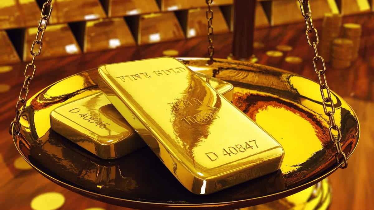 Українці купують по три кілограма золота на тиждень