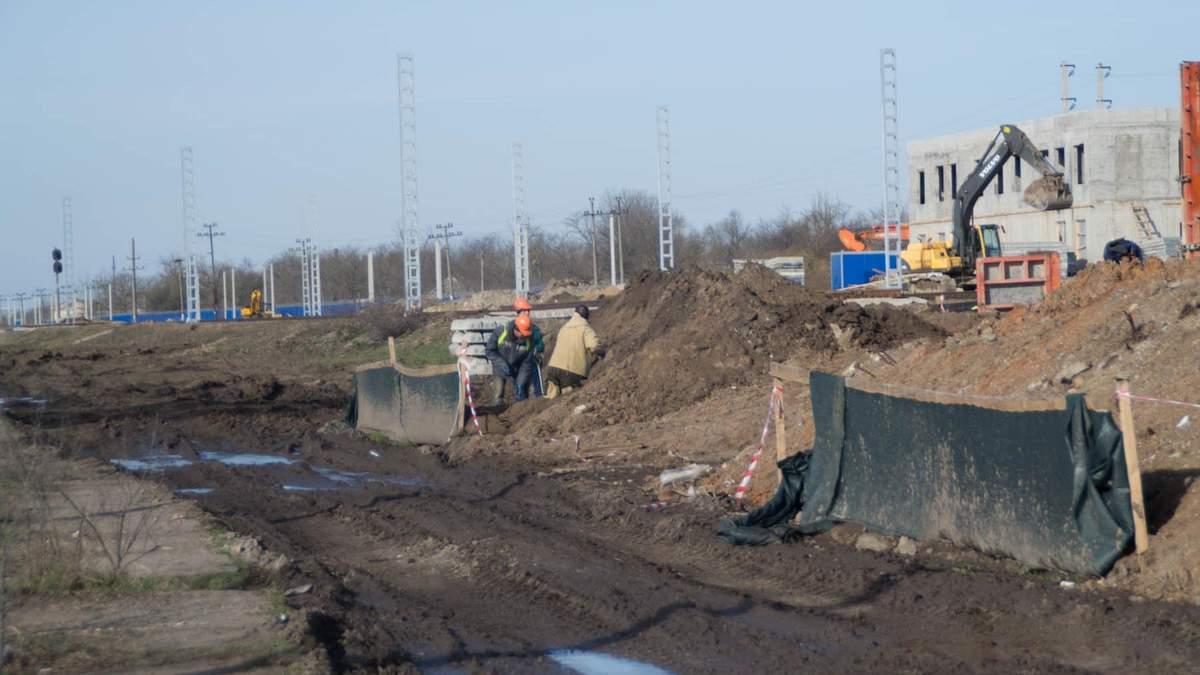 В окупантів з'явилися нові проблеми через будівництво Кримського мосту