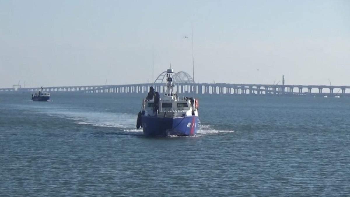 Російські бойові катери патрулюють акваторію Чорного моря