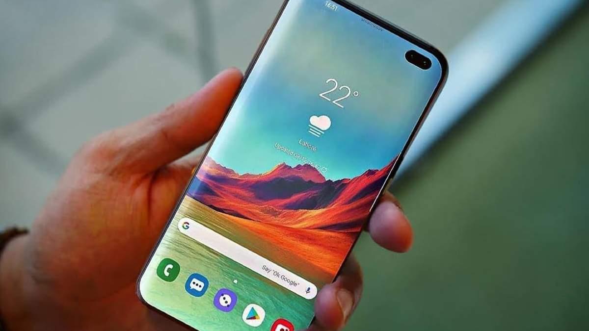 Какова себестоимость смартфона Samsung Galaxy S10+