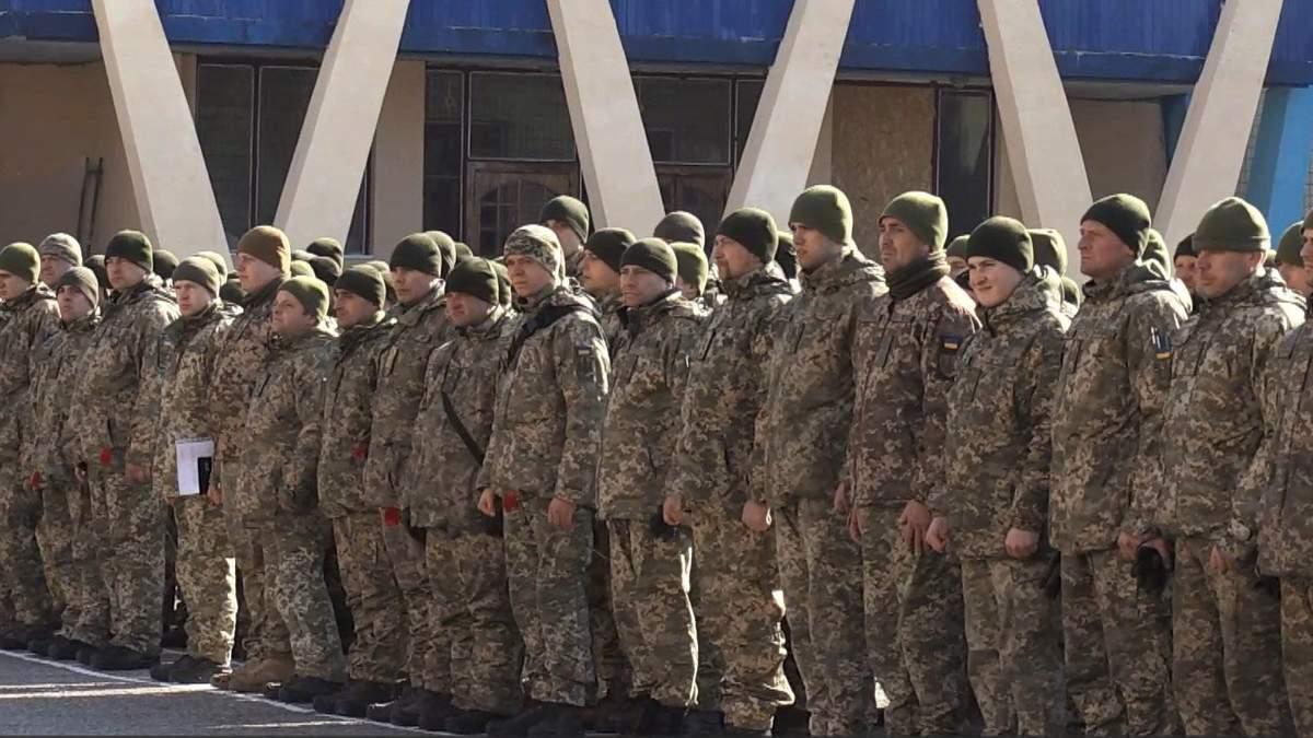 Искали тело почти 5 лет: в Харькове попрощались с бойцом, погибшим под Иловайском