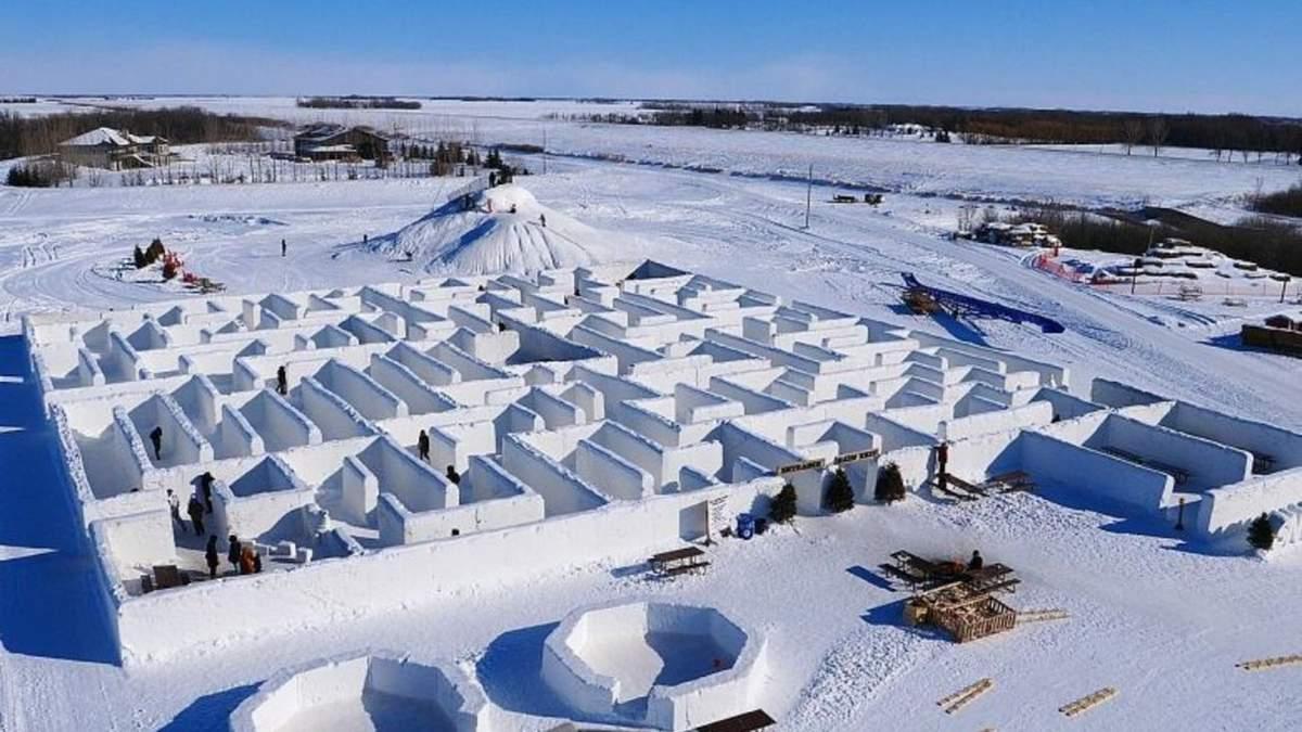В Канаде построили самый длинный в мире снежный лабиринт: впечатляющие фото и видео