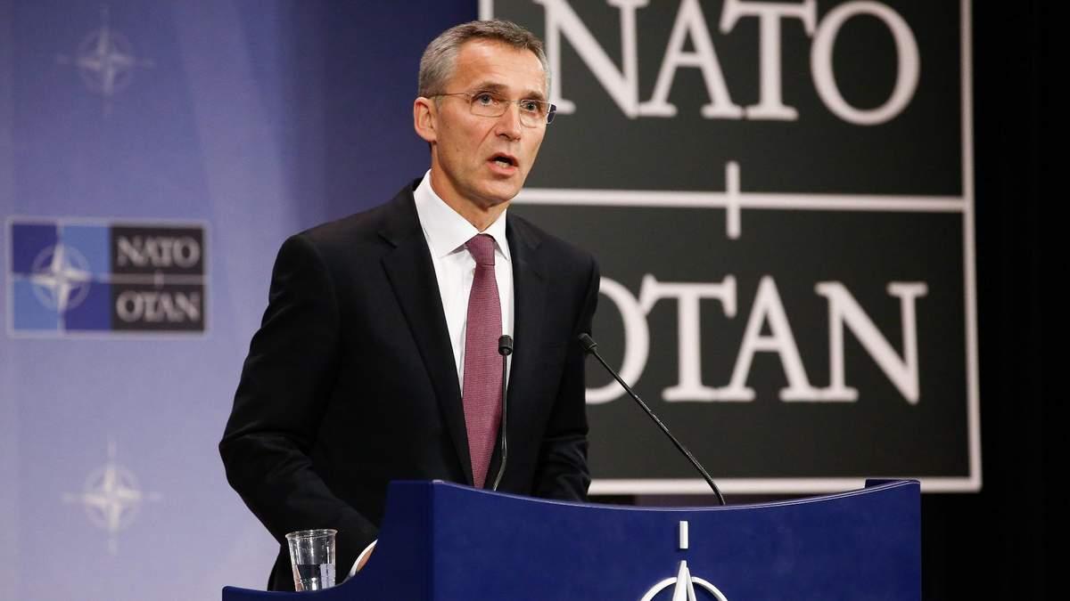 НАТО не визнає анексію Криму та засуджує агресію РФ