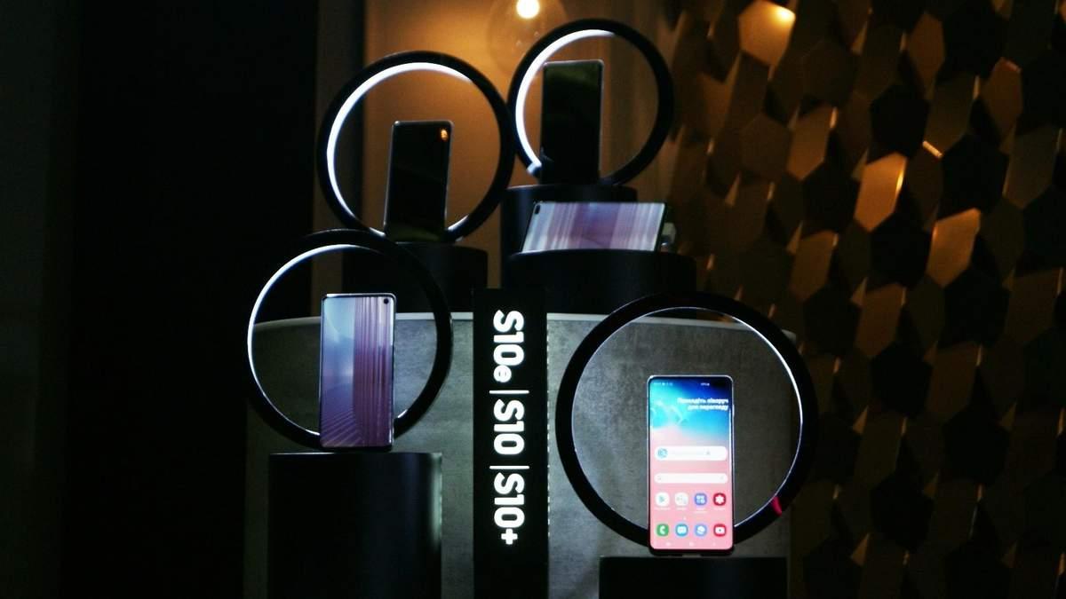 Смартфоны Samsung Galaxy S10 поступили в продажу в Украине