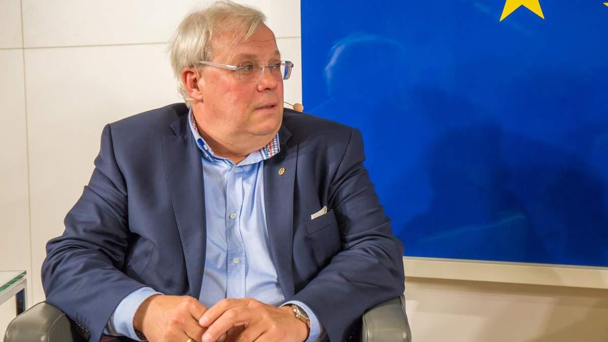 СБУ пояснила, чому заборонила в'їзд австрійському журналісту