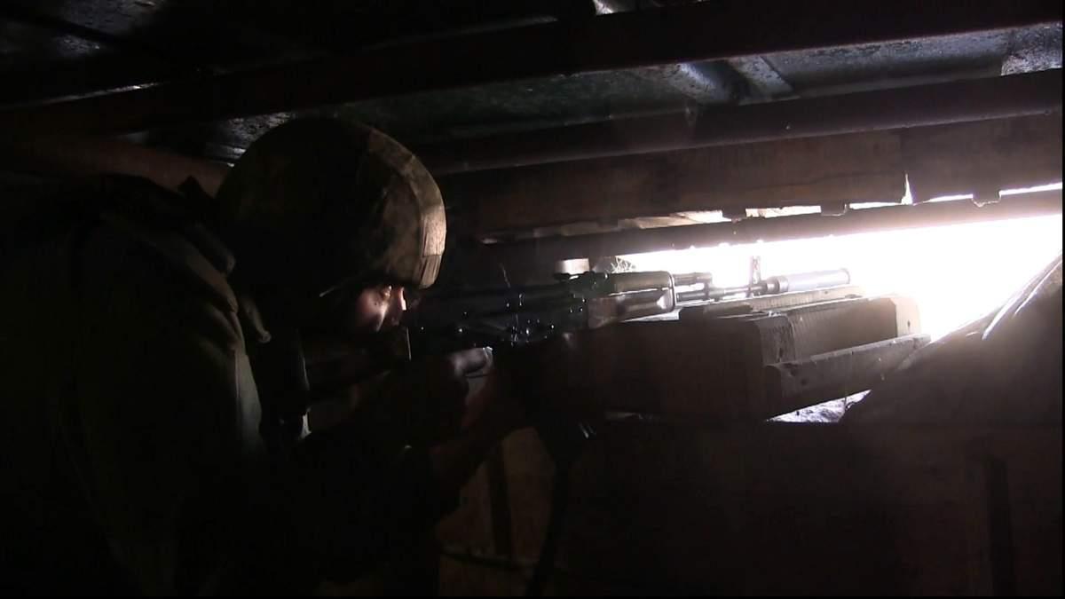 """Волонтери допомагають українській армії з пристроями, які роблять бійців """"невидимими"""""""