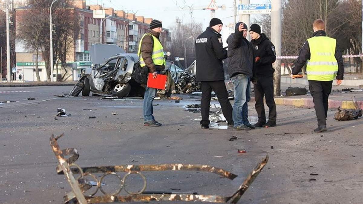 Іномарка врізалась у таксі у Вінниці: багато потерпілих
