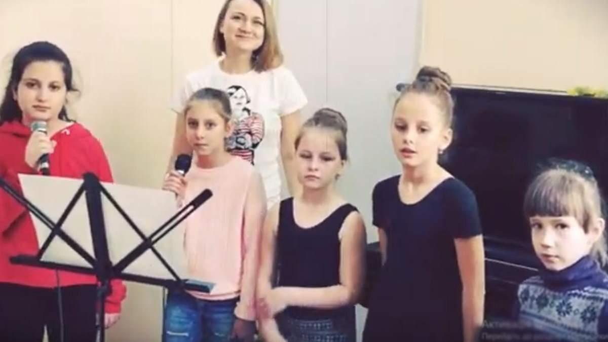В Симферополе дети исполнили песню по стихам Шевченко