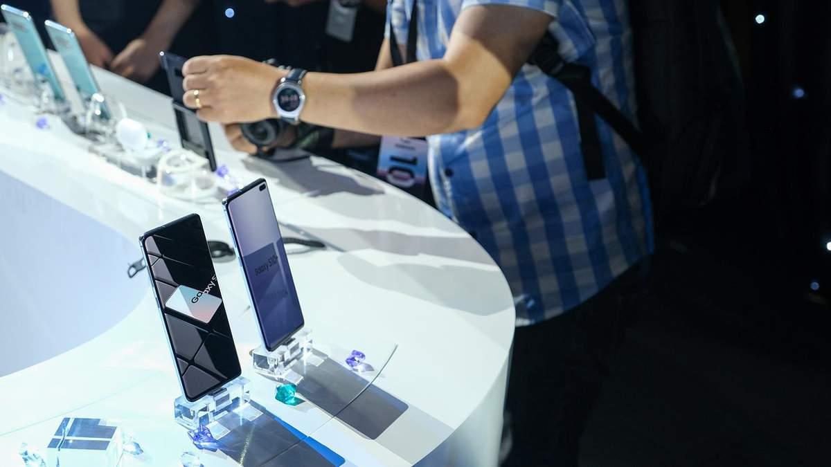 "Samsung представит ""бюджетный"" флагман на Snapdragon 855"