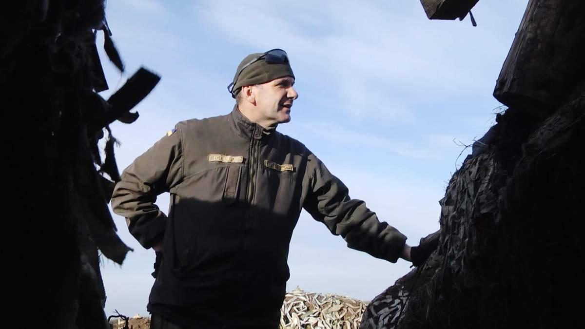 """""""Он закрыл своей спиной всех собратьев"""": в День добровольцев украинцы вспоминают своих героев"""