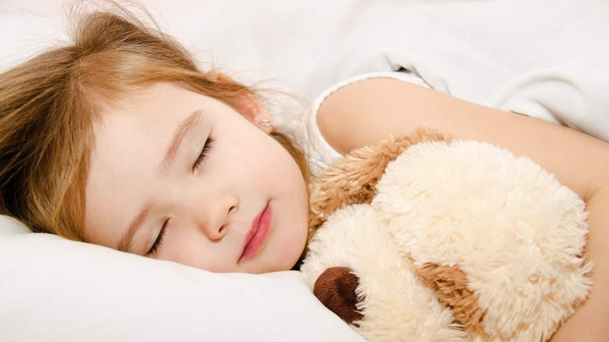 Комаровський розповів, скільки годин мають спати діти