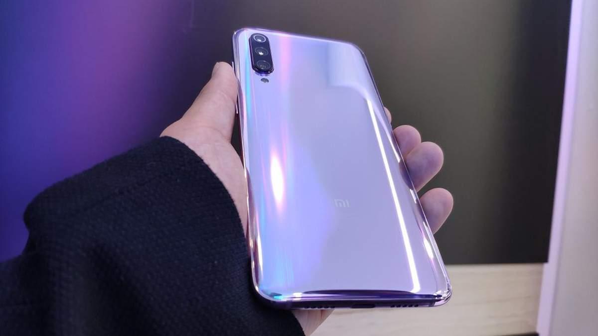 Xiaomi Mi 9 испытали на прочность