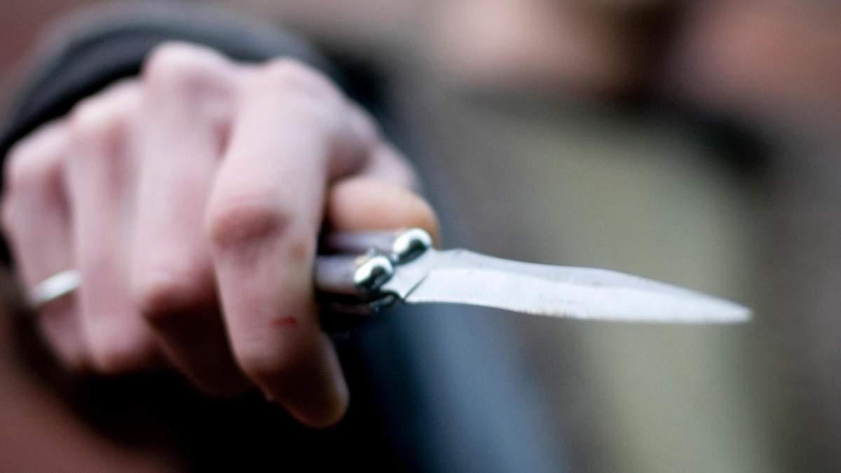 Перерезал глотку товарищу и хотел сбежать: детали убийства на Киевщине