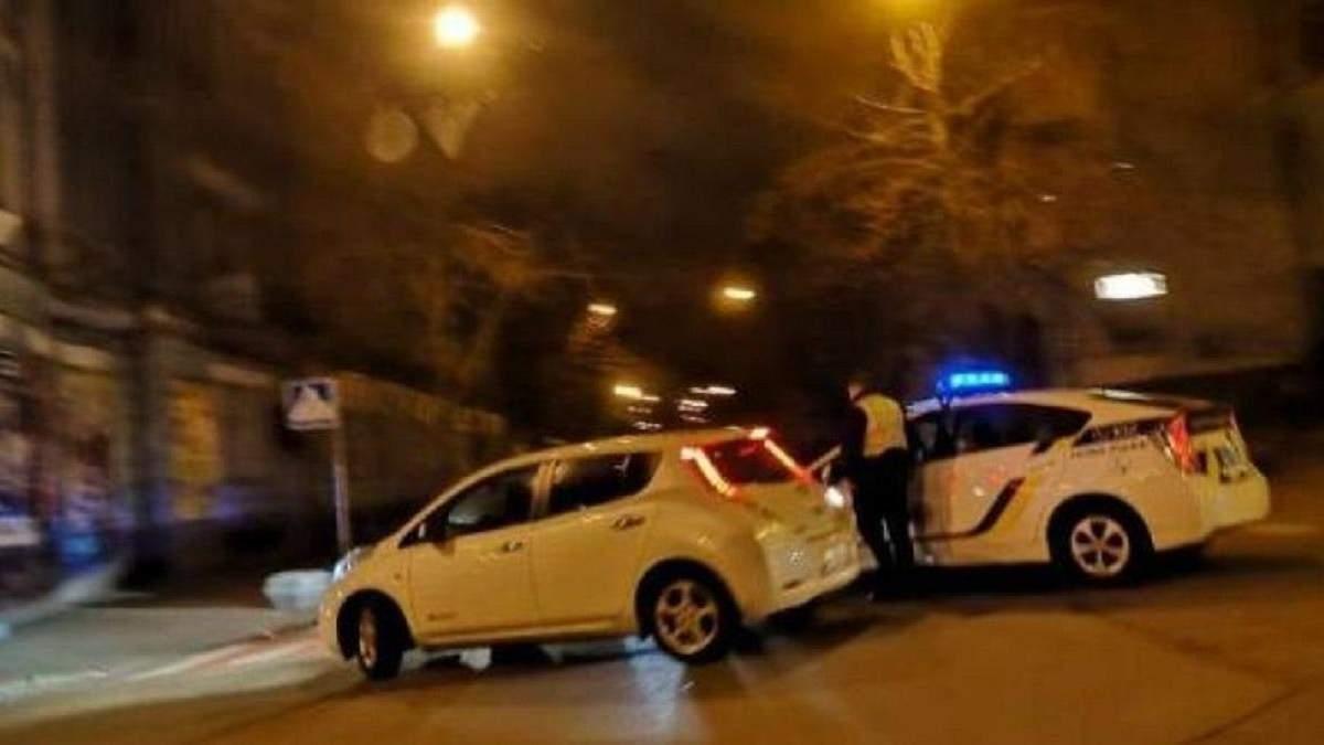 В Киеве поолиция перекрыла улицы вокруг Администрации президента