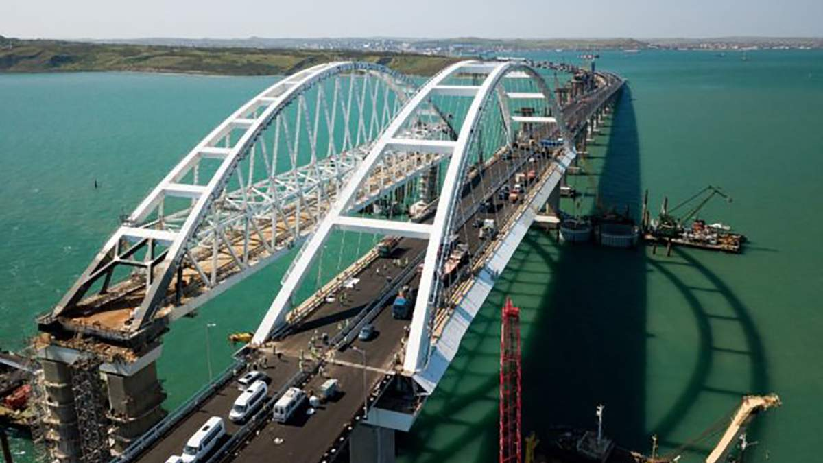 Через Кримський міст може зникнути Азовське море