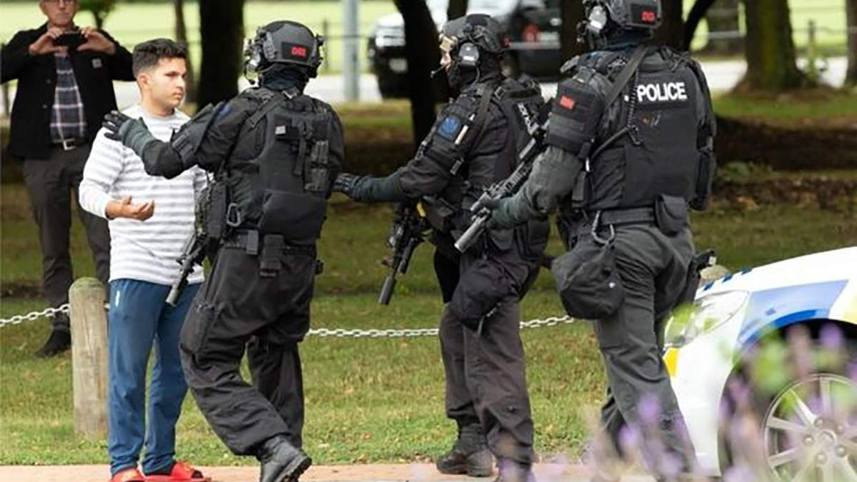 18-летнего подростка арестовали за публикацию видео нападения террористов в Новой Зеландии