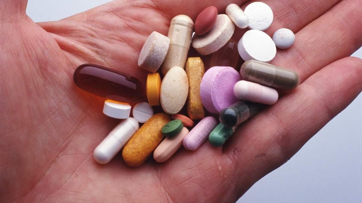 Уряд може заборонити купівлю антибіотиків без рецепту