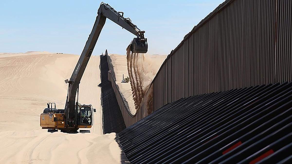 Стіна на кордоні США з Мексикою