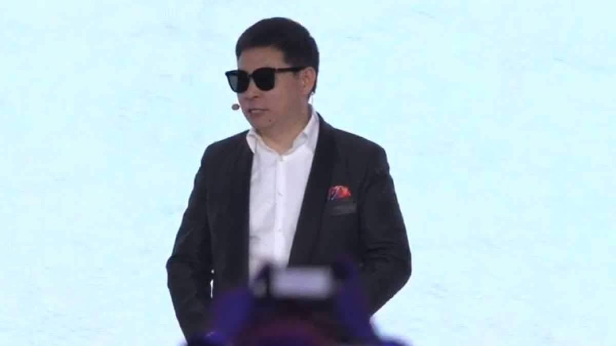 Huawei выпустила стильные смарт-очки