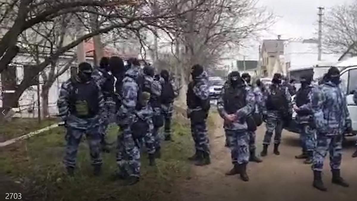 В Крыму российские силовики проводят массовые обыски: задержаны 20 крымских татар