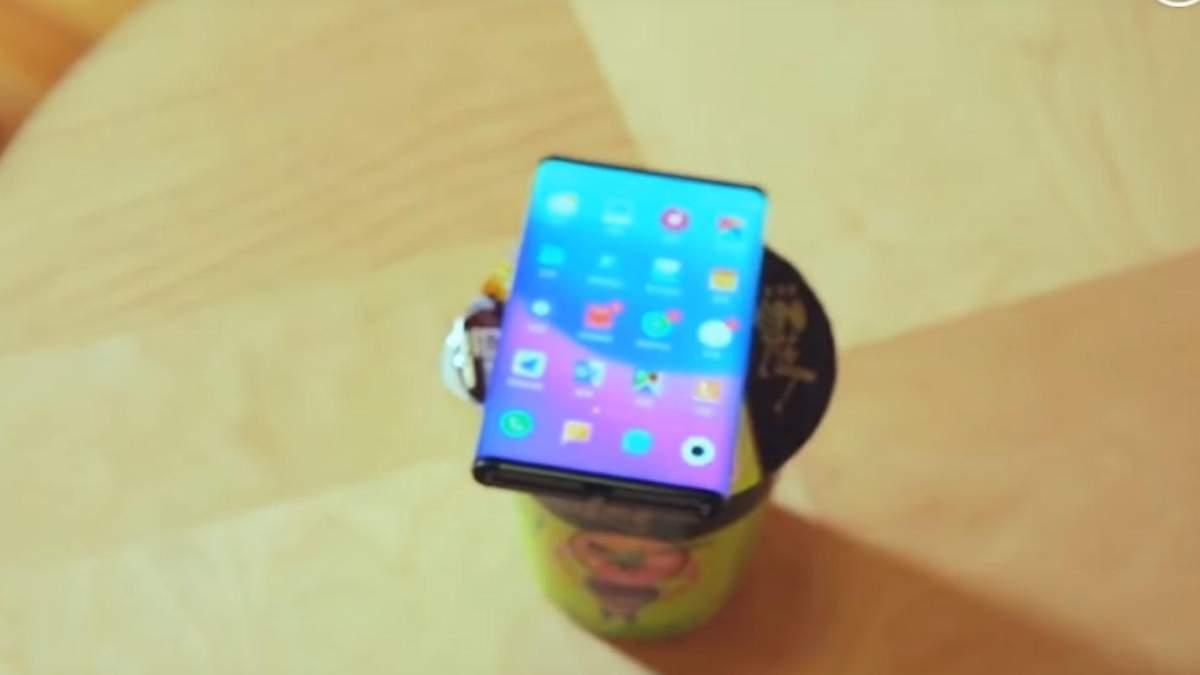 Гнучкий смартфон Xiaomi Mi Fold