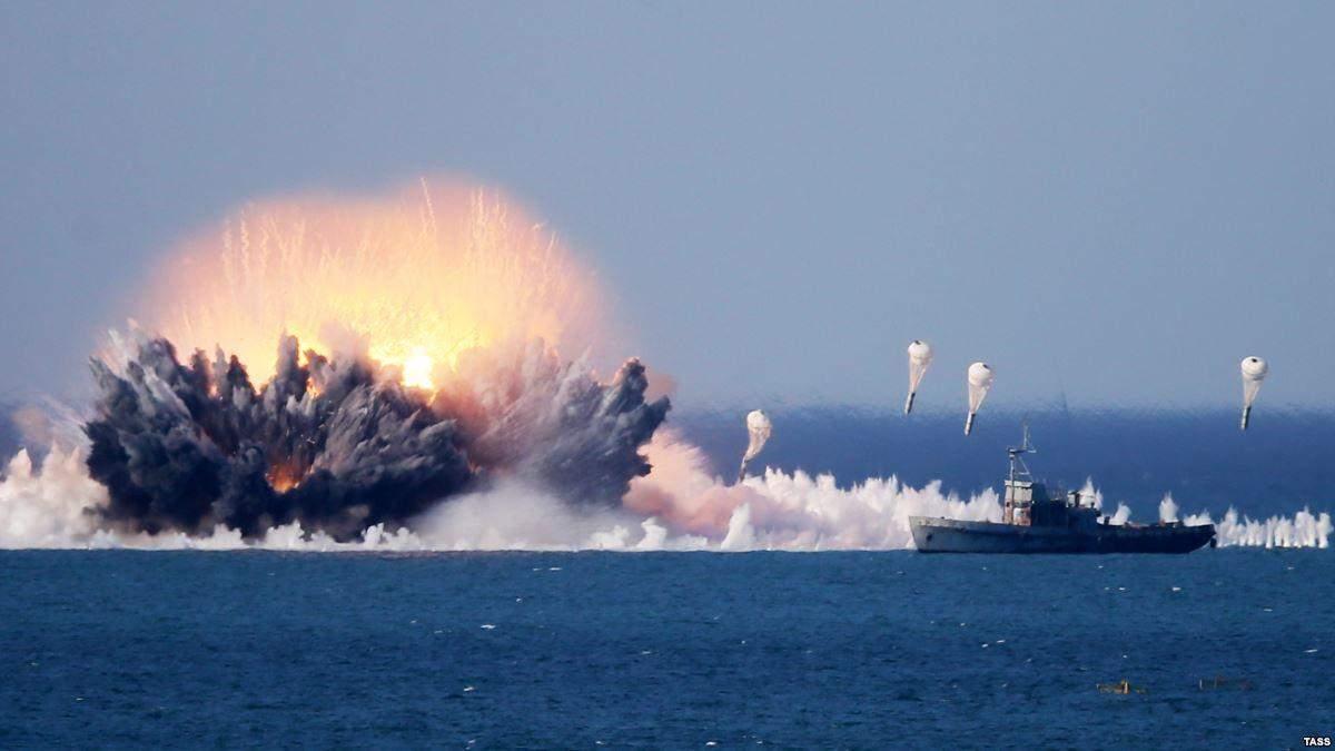 Росія затіяла масштабні військові навчання у Криму