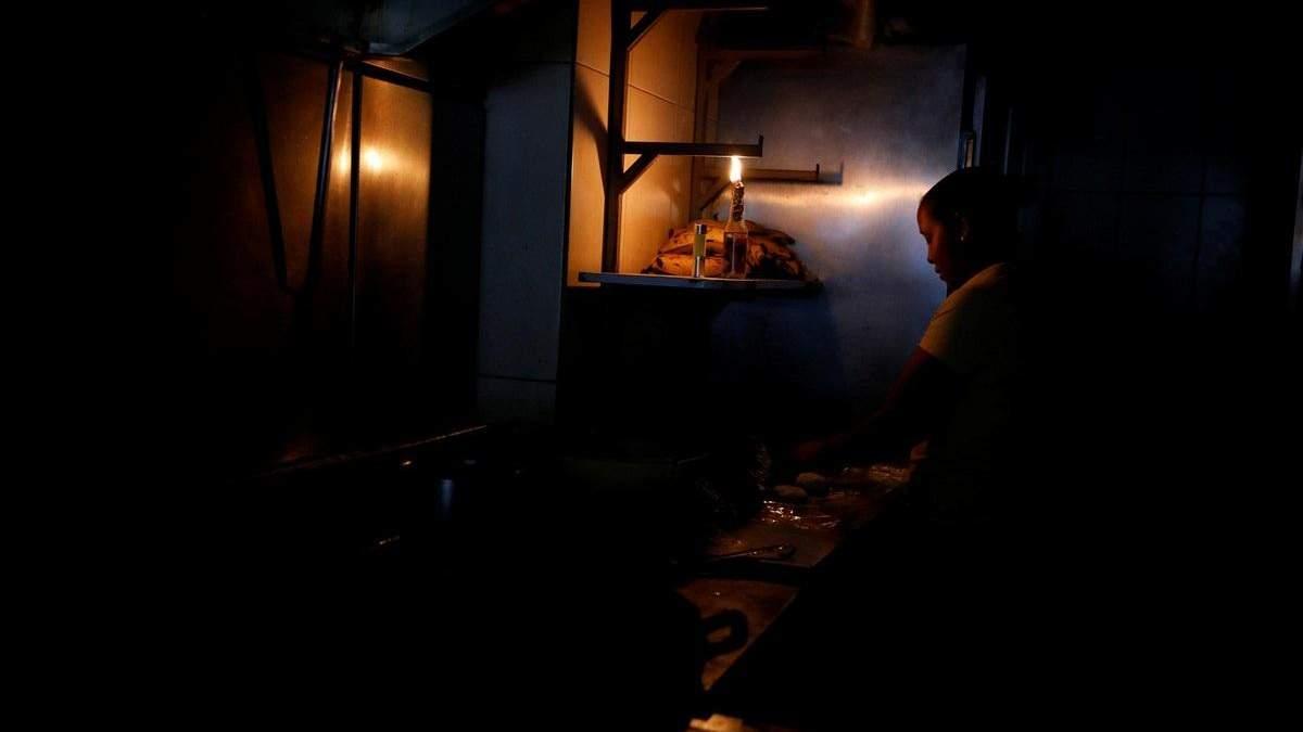 Венесуэлу третий раз за месяц охватила тьма