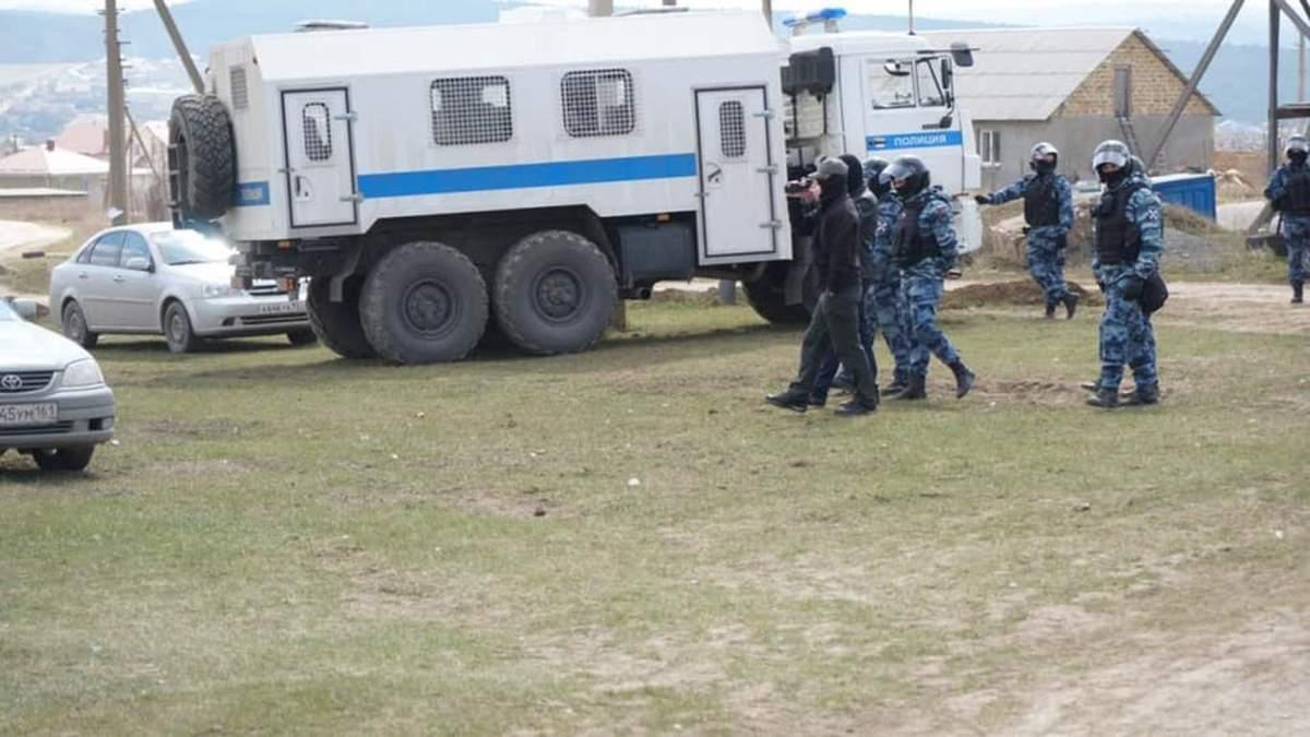 Всех крымских татар, задержанных во время массовых обысков, вывезли в Россию, – адвокат